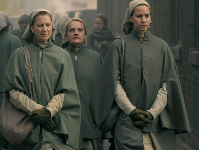 Cómo el vestuario de 'El cuento de la criada' representa el estado mental de las protagonistas