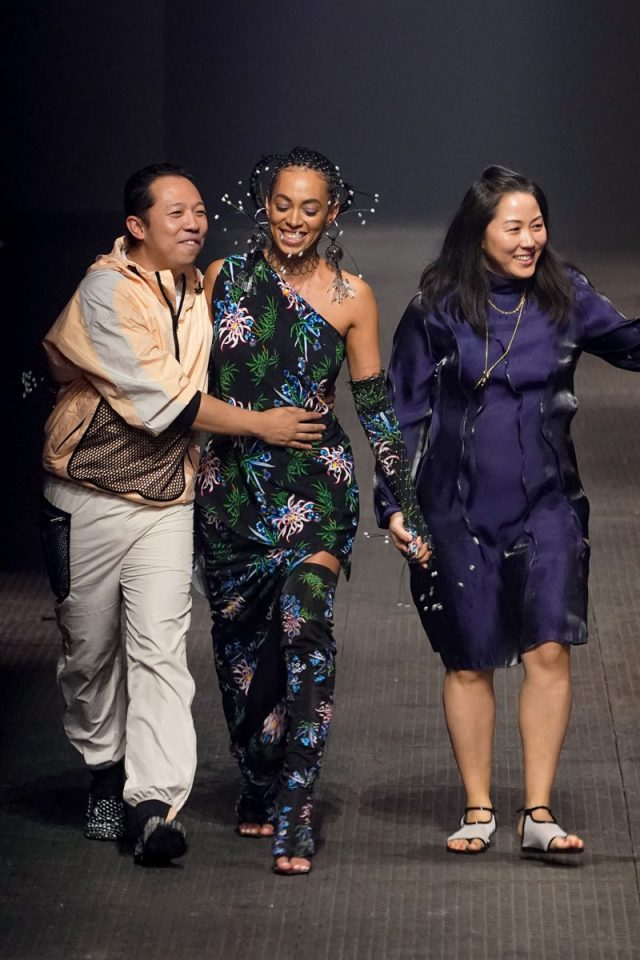 Así fue el último desfile de Carol Lim y Humberto Leon para Kenzo