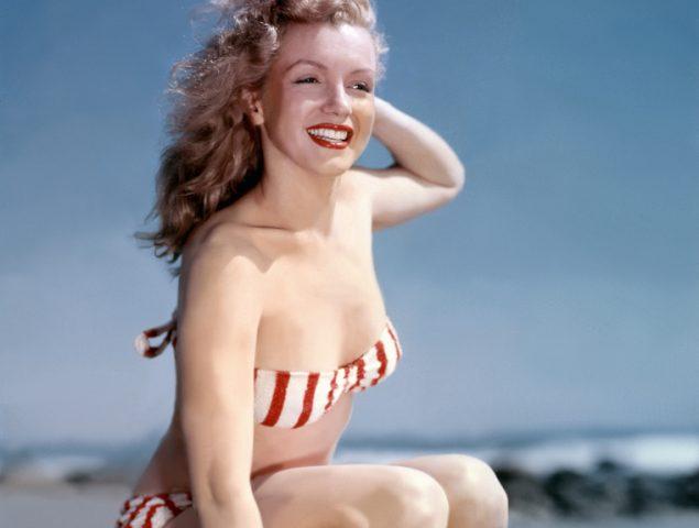 De Rita Hayworth a Ana Obregón: lo mejores posados de verano de la historia