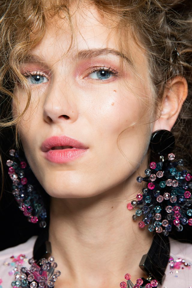 Cinco formas de maquillarte para que tus labios mate destaquen