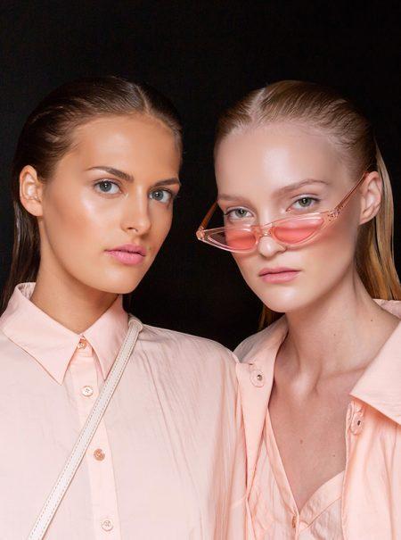 Cómo conseguir que tu piel brille en verano sin maquillaje (y no por el sudor)