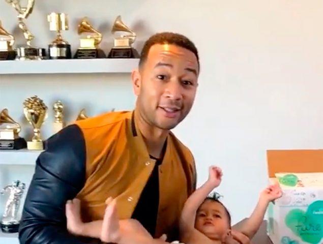 La campaña de John Legend para exigir cambiadores en los baños masculinos
