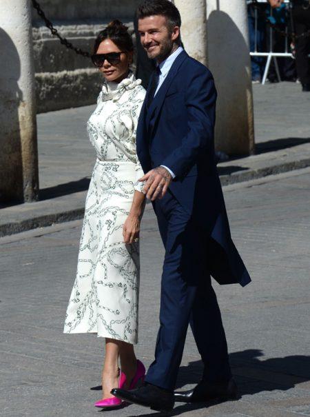 Victoria Beckham, en la boda de Sergio Ramos, con un vestido que también llevó Meghan Markle