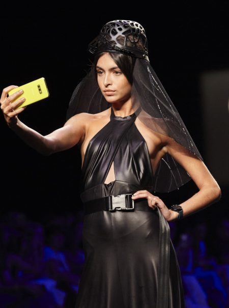 Decontructive Heads: cuando moda y tecnología se alían en la era 'selfie'