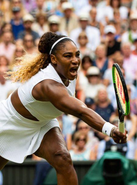 Uno de cada ocho hombres cree que podría ganar al tenis a Serena Williams