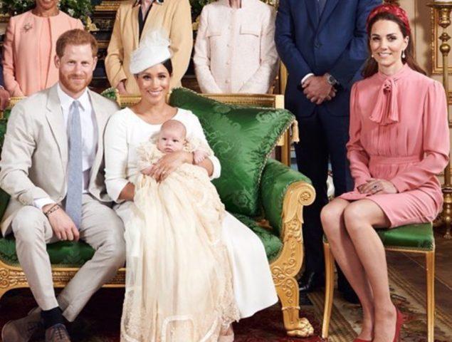 Vestido Rosa Y Diadema Fucsia Kate Middleton Brilla En El