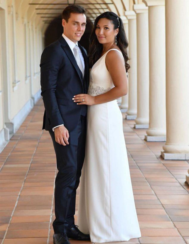 Se casa el hijo mayor de Estefanía de Mónaco (y el espectacular 'mono' de la novia es un diseño español)