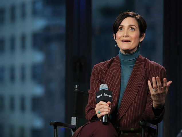 """¡Levántate, Trinity, levántate!"": Carrie-Ann Moss descubrió que 'Matrix' era un éxito al verla en el cine"
