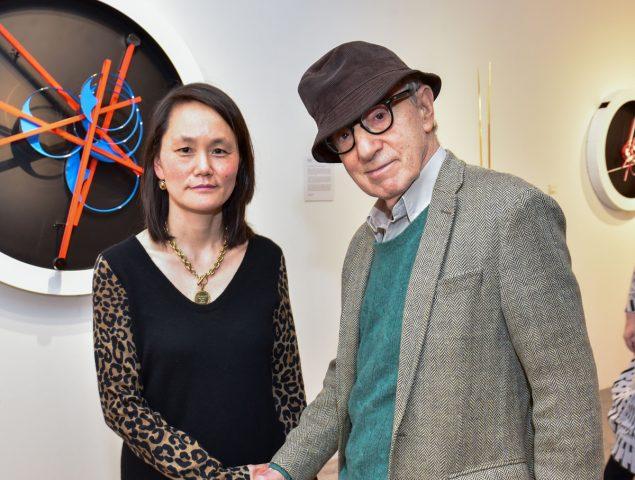 Joel Schumacher cree que Woody Allen dejó adrede y a la vista sus polaroids inculpatorias con Soon-Yi