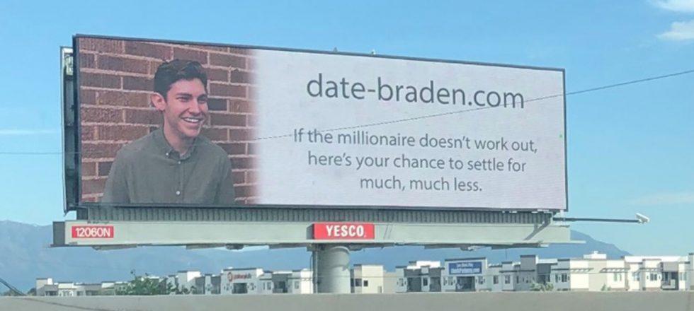 La historia del joven que cambió Tinder por una valla publicitaria para ligar (y funcionó)