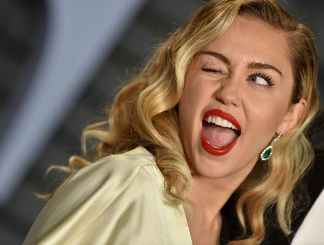 Miley Cyrus o por qué las mujeres difíciles dejaron de pedir perdón