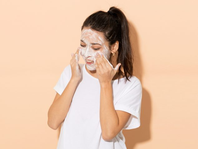 Belleza coreana: por qué la triple limpieza es fundamental para una piel radiante