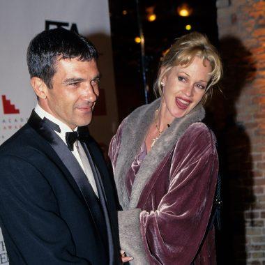 «Le pregunté a Pedro quién era esa rubia»: Antonio Banderas confiesa cómo se fijó en Melanie