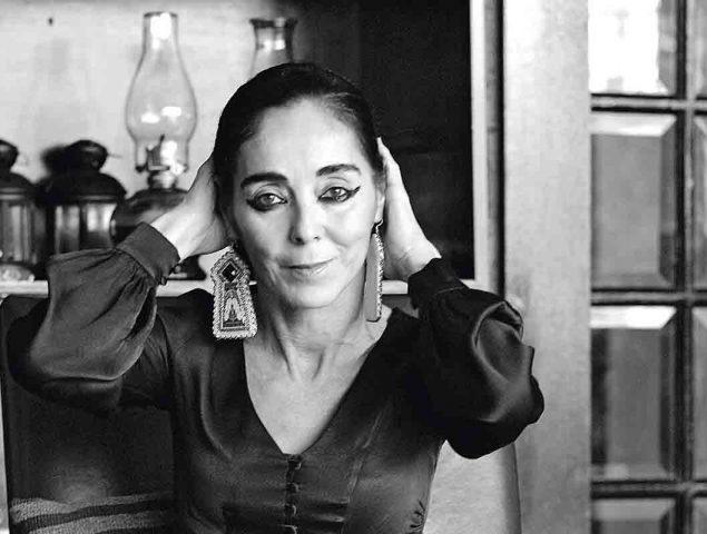 Shirin Neshat: «Las jóvenes iraníes desafían al Gobierno y rompen las reglas día a día. Son inspiradoras»