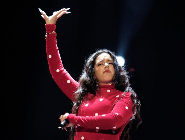 """Así es Rosalía cuando """"de verdad"""" se viste de flamenca"""