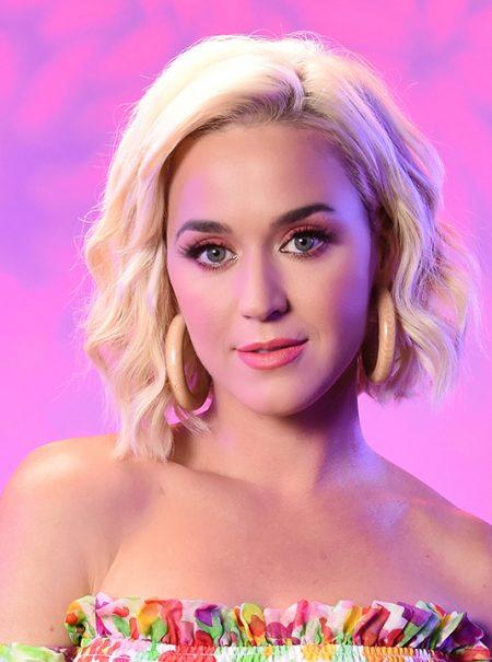El último vestido de Katy Perry es español y se puede comprar 'online'