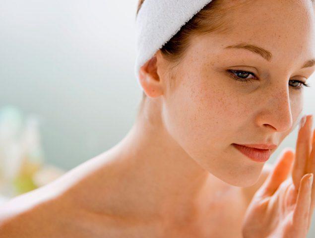 Tratar las arrugas como cicatrices: la revolución de las cremas 'cica'