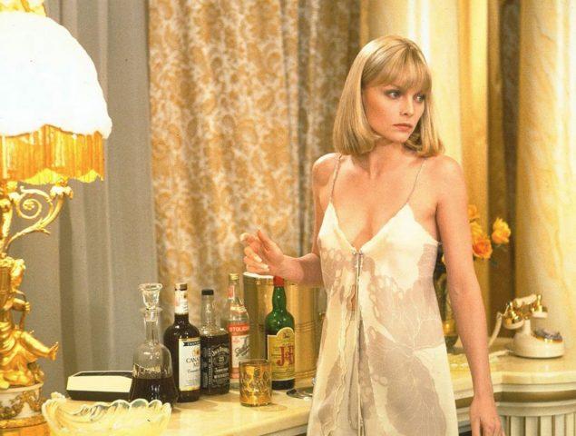 Michelle Pfeiffer y todo lo que esconde el camisón más erótico del cine