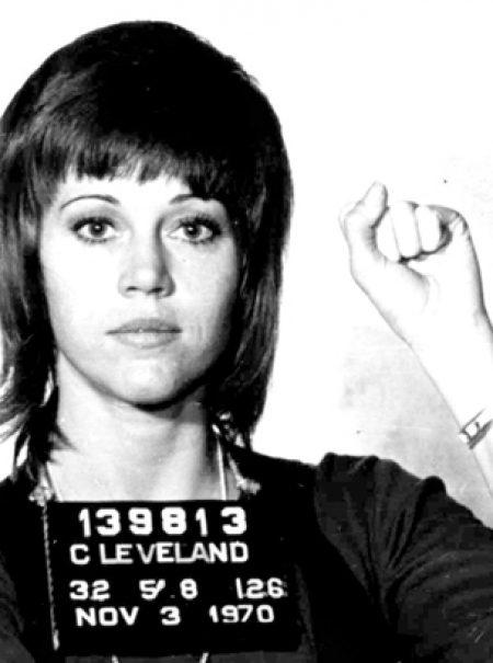 La (otra) vez que Jane Fonda escandalizó a EEUU con un arresto policial