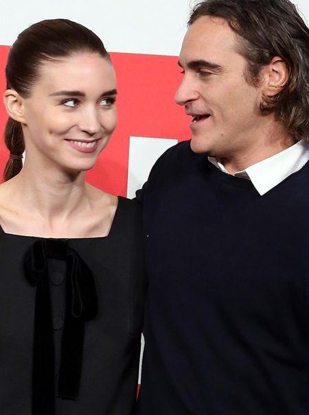 Dos grandes fortunas y una secta: la improbable historia de amor de Joaquin Phoenix y Rooney Mara