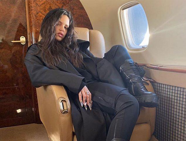 El avión privado de Rosalía: no es la primera vez que lo utiliza, pero sí la primera que genera polémica