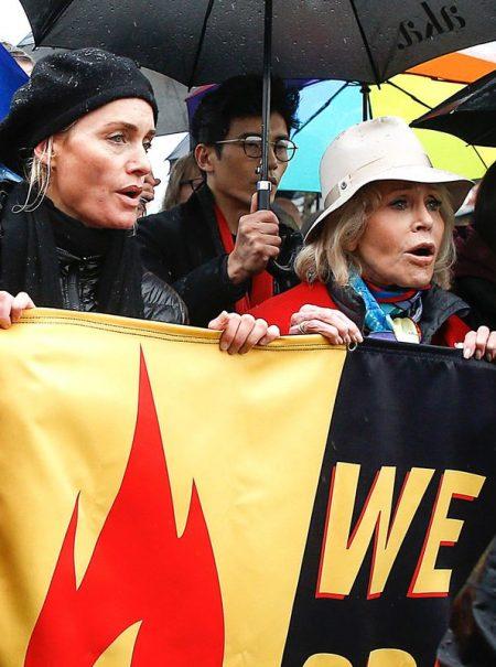 Arrestan a Amber Valletta y a Diane Lane en las protestas lideradas por Jane Fonda