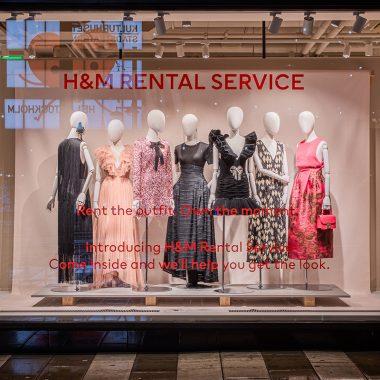 Vestidos de H&M en el escaparate