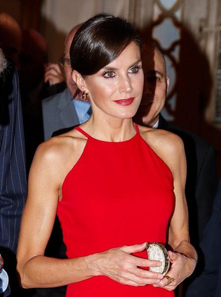 El vestido rojo «absolutamente perfecto» de Letizia Ortiz en Cuba: la sombra de Meghan Markle es alargada