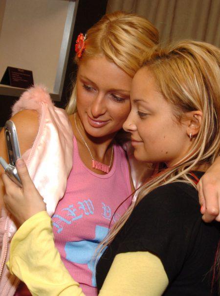 Nostalgia de la tapa plegable: vuelve el Motorola Razr, el móvil que marcó a una generación