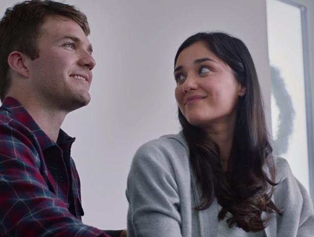 La pesadilla navideña de Peloton: el peor anuncio del año hunde al marido y relanza a la mujer