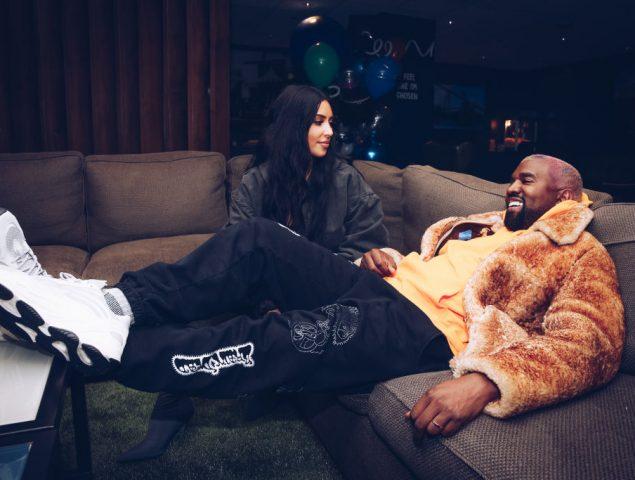 Provocar con un chándal: Kim Kardashian sorprende con un 'Christmas' muy peculiar
