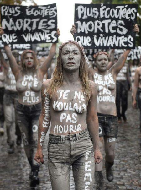 Esperma ilegal y excursiones a España: la pesadilla de las solteras y lesbianas francesas para tener hijos