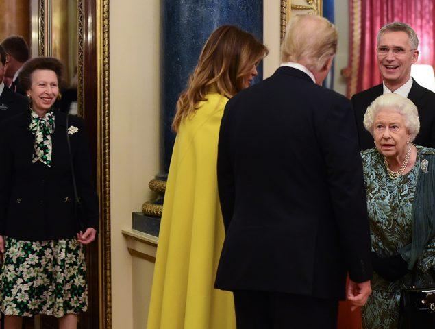 ¿Protocolo o desaire? El extraño gesto de la princesa Ana 'negando' el saludo a Trump
