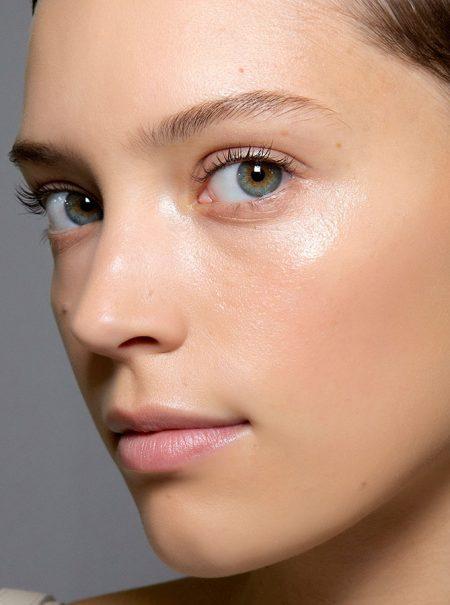 Este es el truco para aplicar bien el tónico facial y que de verdad funcione