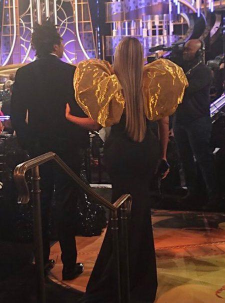 Beyoncé y Jay-Z llegaron tarde a la gala de los Globos de Oro y llevaron su propia bebida