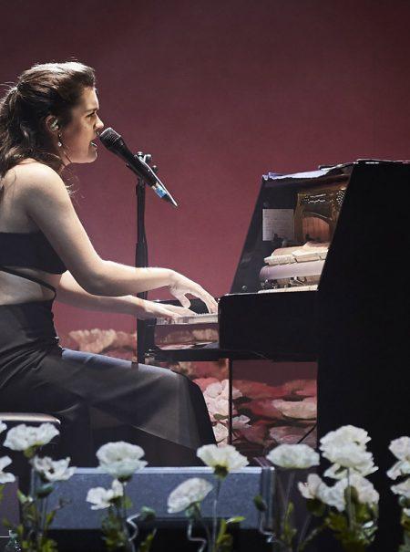 El sensual vestido negro de la gira de Amaia es exclusivo de Paloma Wool