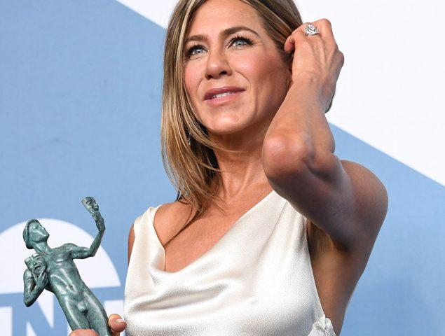 Jennifer Aniston comparte el truco para que no se arrugara su vestido de los premios SAG