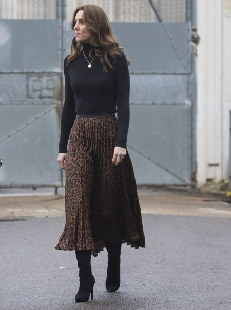 La falda de Zara de Kate Middleton está rebajada a 8 euros