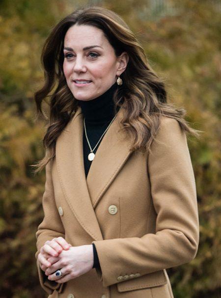 Unidas por Massimo Dutti: el mensaje que esconden los abrigos de Kate Middleton y Meghan Markle