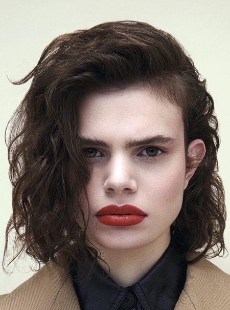 Este es el truco rápido y fácil de maquillador para parecer que llevas base sin usarla