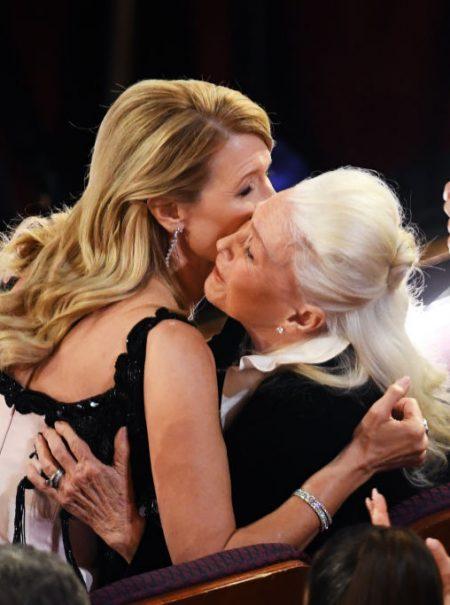 «Eres mi auténtica leyenda»: Laura Dern y las emotivas lágrimas de su madre al ganar el Oscar