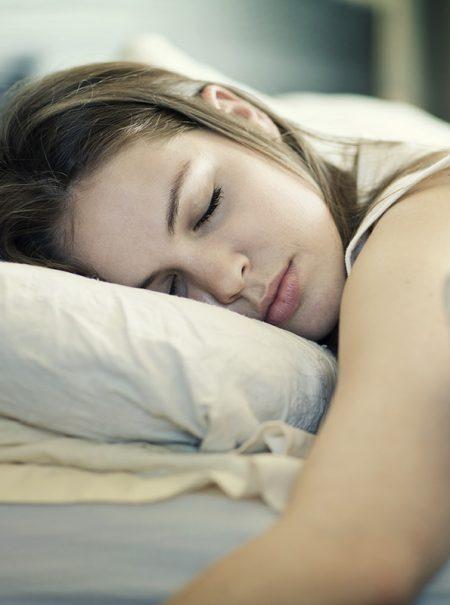Por qué madrugar mucho no te ayudará a ser más exitoso: desmontando el mito de levantarse a las cinco de la mañana