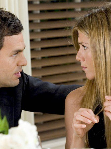 'Pocketing': cuando tu pareja no quiere presentarte ni incluirte en su vida social