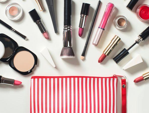 Así debes desinfectar tu neceser de maquillaje (y cada producto)   Belleza,  Maquillaje   S Moda EL PAÍS
