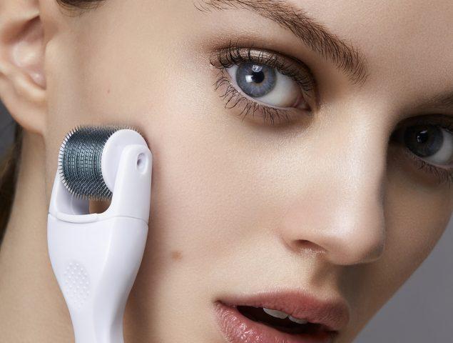 Diez aparatos para extenderte la crema a la perfección (y que sea más efectiva)