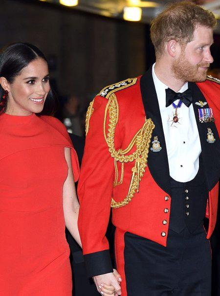 El espectacular vestido rojo del regreso de Meghan Markle: historia de una elección simbólica