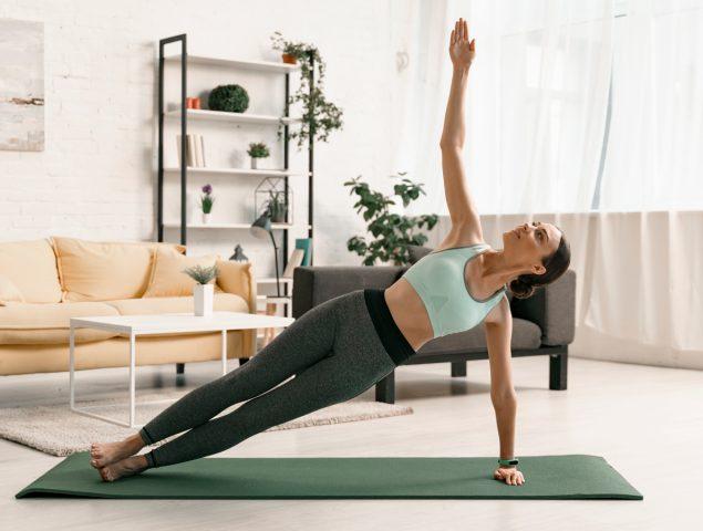 Seis aplicaciones de yoga para ponerte en forma en casa