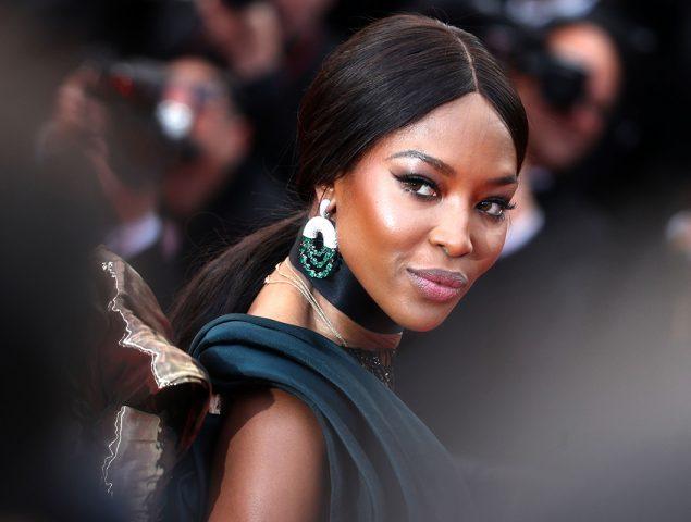 La primera modelo sentenciada a cárcel y la primera mujer negra en portada de Vogue Francia: Naomi Campbell, 50 años de gloria