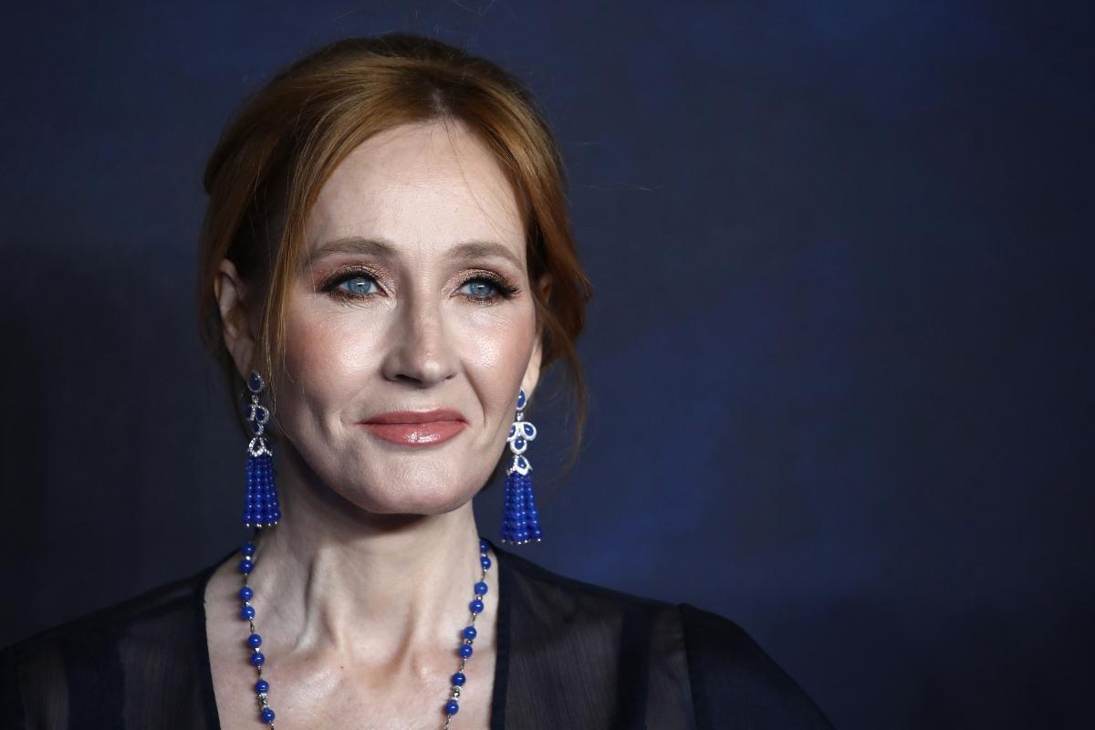 Un travesti asesino, «basado en hechos reales»: por qué el último libro de J. K. Rowling genera el rechazo del colectivo trans