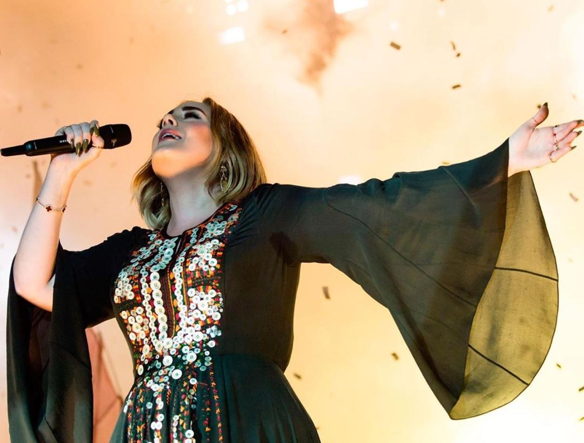 Un padre traidor, una larga lista de exparejas tóxicas y un doloroso divorcio que la ha llevado a perder más de 45 kilos: Adele, la reina de la canción melodramática, ya está de vuelta